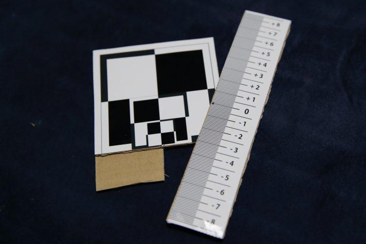 ピント調整用チート用紙